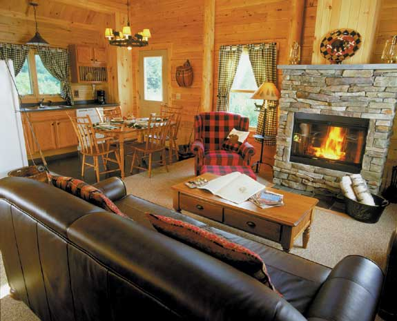 Rangeley lake resort maine cabin interior east coast for Cabin rentals in maine with hot tub