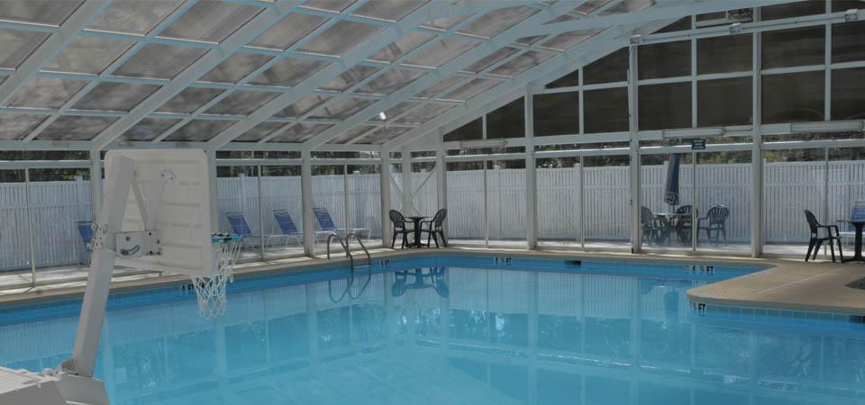 country club villas pool