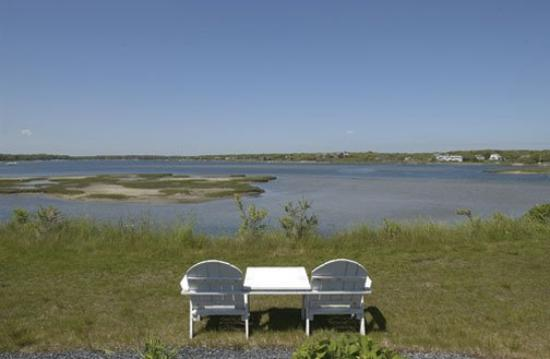 InnSeason Resort Surfside Grounds Bay Pond View