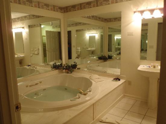 Woodstone At Massanutten Master Bathroom East Coast Condo Rentals